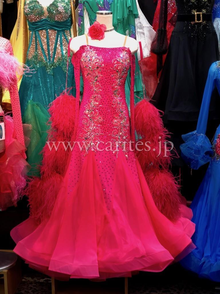 Ajour Designピンクドレス到着しました!