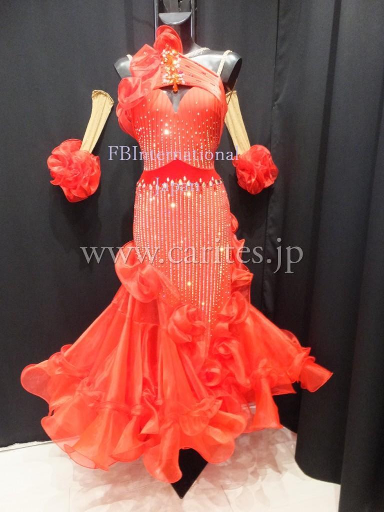 Fbレッドスタンダードドレス到着しました!