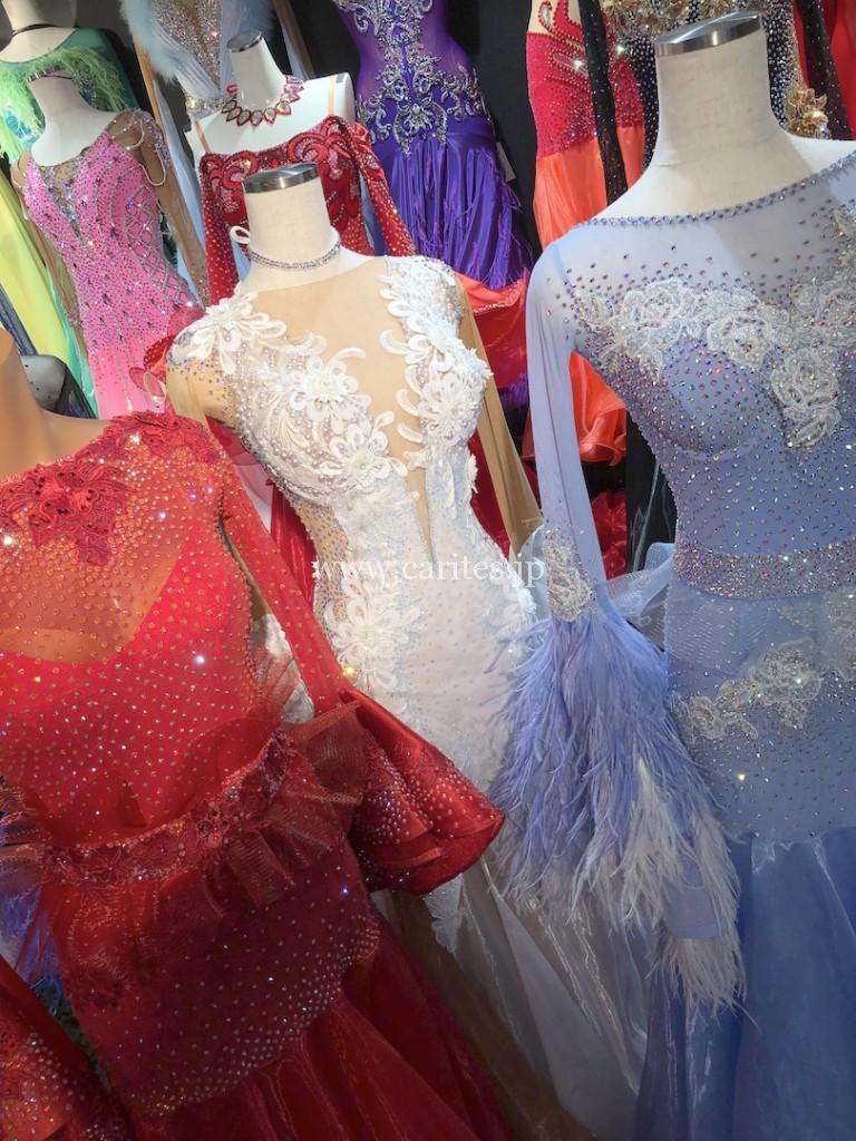 またまたSilvia designスタンダードドレス到着しました!